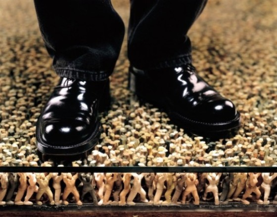 Ian-Brooks-Standing-on-the-Masses-4-580x455